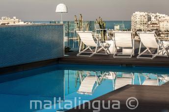 Piscine sur le toit avec bar, Malte