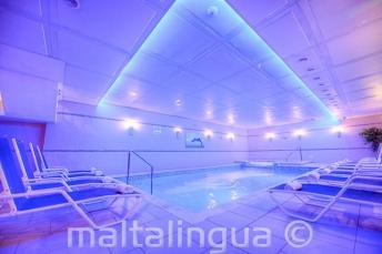Spa avec piscine à l'hôtel Alexandra, St Julians