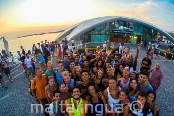Les étudiants d'anglais dans une soirée à Cafe del Mar