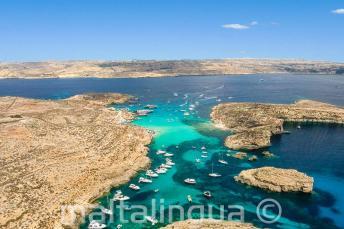 Photo aérienne de Blue Lagoon, Comino, Malte