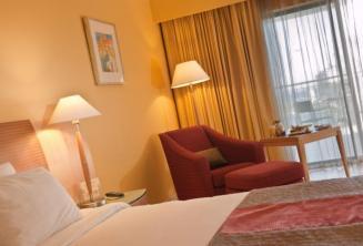 Une chambre de luxe à l'hôtel Le Meridien, Malte