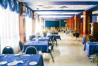 Salle à manger dans la résidence de l'école