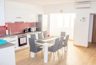 Cuisine et salle à manger de l'appartement de l'école